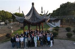 富申评估咨询集团成立二十六周年,组织全体员工前往阳澄湖品蟹赏景